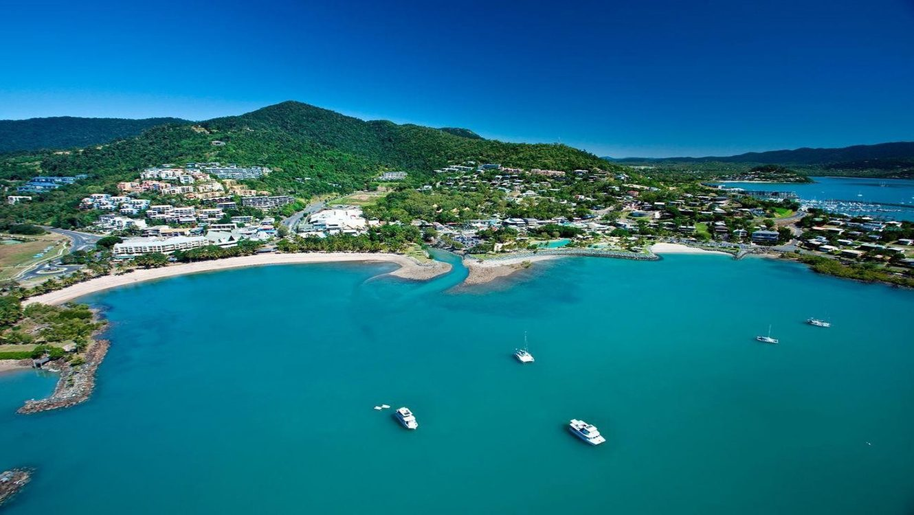 Itinerary day 5 - Airlie Beach
